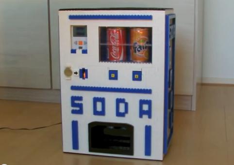 Getrankeautomat Aus Lego Steinen Lego Blog Von Brickstore At